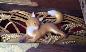 武蔵野稲荷神社のキツネ