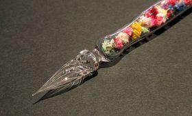 お花を閉じ込めたガラスペン