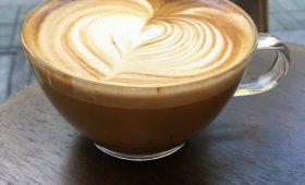 冬のおすすめコーヒー「Flat white & Kenya Kaiguri」